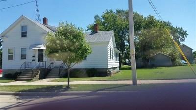 Oshkosh Multi Family Home Active-No Offer: 503 W 5th