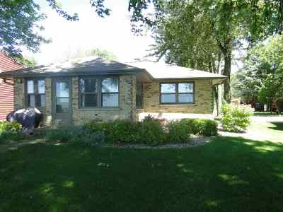 Menasha Single Family Home Active-No Offer: W7159 Firelane 2