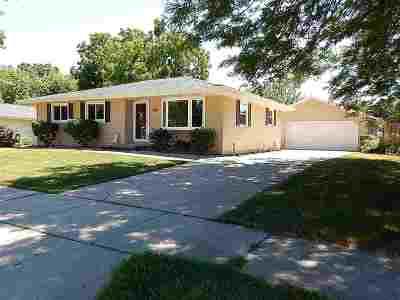 Kaukauna Single Family Home Active-No Offer: 509 Frostfield
