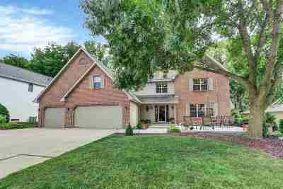 Green Bay Single Family Home Active-No Offer: 2752 Woodland Hills