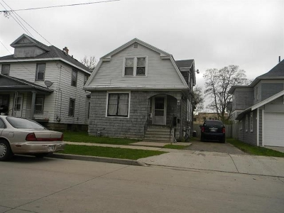 Oshkosh Single Family Home Active-Offer No Bump: 708 Central