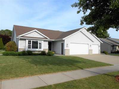 Appleton WI Single Family Home Active-Offer No Bump: $249,000