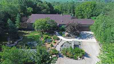 Waupaca Single Family Home Active-No Offer: E2580 White Tail