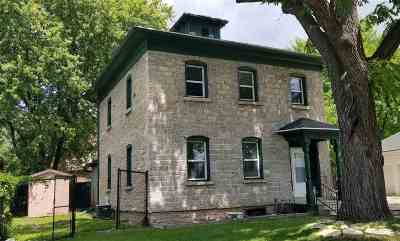 Menasha Single Family Home Active-No Offer: 712 Broad