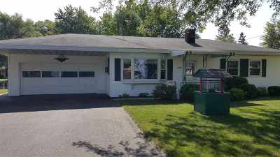 Winneconne Single Family Home Active-Offer No Bump: 6782 Sunset