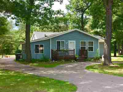 Shawano Single Family Home Active-Offer No Bump: N6537 W Loon Lake