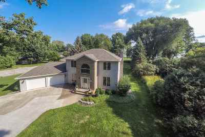 Menasha Single Family Home Active-Offer No Bump: 1531 Rue Reynard