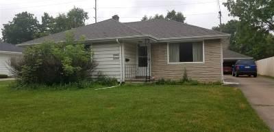 Menasha Single Family Home Active-Offer No Bump: 921 E 4th