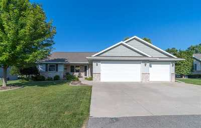 Menasha Single Family Home Active-No Offer: 1414 Chesterfield