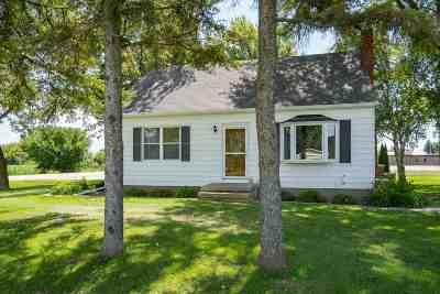 Kaukauna Single Family Home Active-Offer No Bump: 8078 Hwy D
