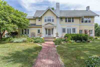 Neenah Single Family Home Active-No Offer: 1002 E Forest