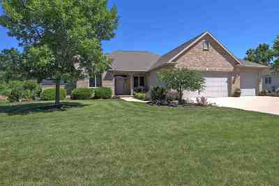 Menasha Single Family Home Active-Offer No Bump: 2416 Trumpeter Swan