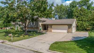 Menasha Single Family Home Active-Offer No Bump: 1232 Grove