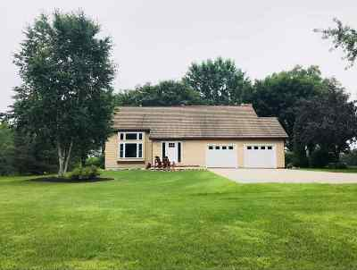 Greenville Single Family Home Active-No Offer: N1634 Prairie View