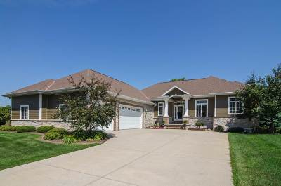 Howard, Suamico Single Family Home Active-No Offer: 1112 Crown Pointe
