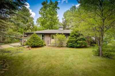 Neenah Single Family Home Active-Offer No Bump: 9126 Clayton
