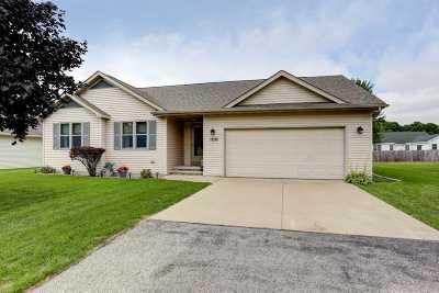 Menasha Single Family Home Active-Offer No Bump: 1252 Stillmeadow