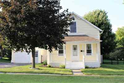 Menasha Single Family Home Active-Offer No Bump: 820 1st