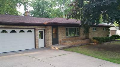Oshkosh Single Family Home Active-Offer No Bump: 200 E Fisk
