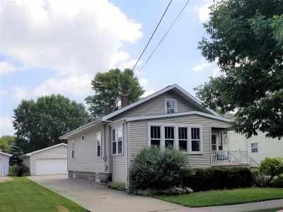 Menasha Single Family Home Active-No Offer: 376 Nassau
