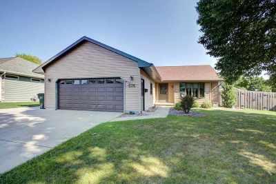 Kaukauna Single Family Home Active-Offer No Bump: 516 Wildwood