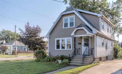 Neenah Single Family Home Active-Offer No Bump-Show: 637 Maple