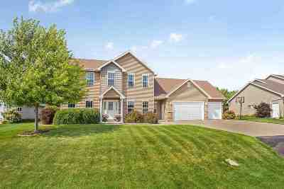 Neenah Single Family Home Active-Offer No Bump: 837 Sundial