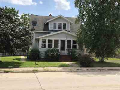 Oshkosh Single Family Home Active-No Offer: 805 W 9th