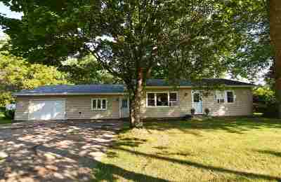Oshkosh Single Family Home Active-No Offer: 5172 Hwy A
