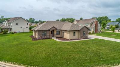 Menasha Single Family Home Active-No Offer: N8626 Winding Trail