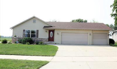 Kaukauna Single Family Home Active-No Offer: 2091 Foxland