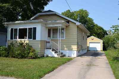 Oshkosh Single Family Home Active-No Offer: 1207 Rugby