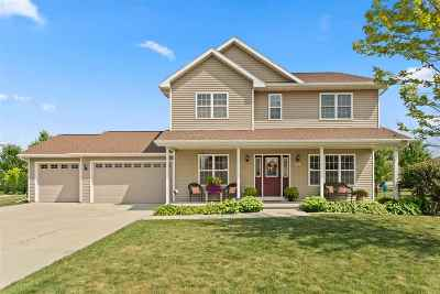 Neenah Single Family Home Active-Offer No Bump: 1614 Redwing