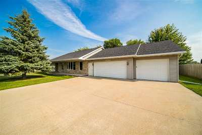 Appleton Single Family Home Active-No Offer: W5909 Hearthstone