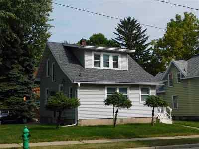 Appleton Single Family Home Active-No Offer: 1702 N Oneida