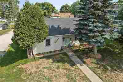 Luxemburg Single Family Home Active-Offer No Bump: 318 Maple