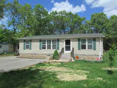Shawano Single Family Home Active-No Offer: W5364 Lake