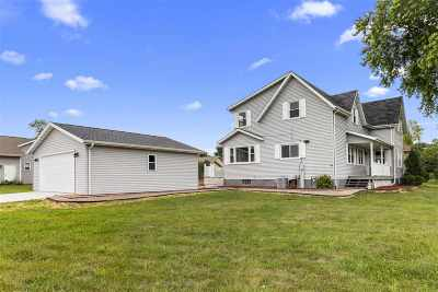 Neenah Single Family Home Active-Offer No Bump: 1305 Whippletree