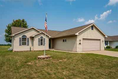 Winneconne Single Family Home Active-Offer No Bump: 1123 Barbary