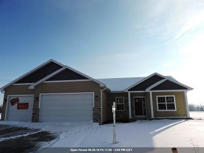 Menasha Single Family Home Active-Offer W/Bump: W6029 Zach