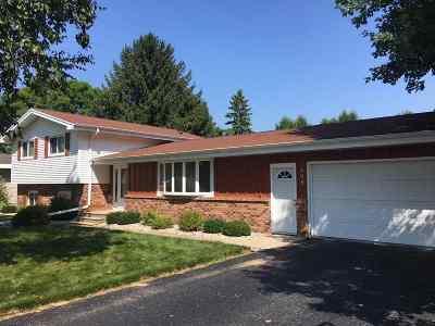 Marinette Single Family Home Active-Offer No Bump: 808 Barbara