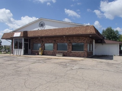 Commercial Active-No Offer: 6277 N Hwy 32