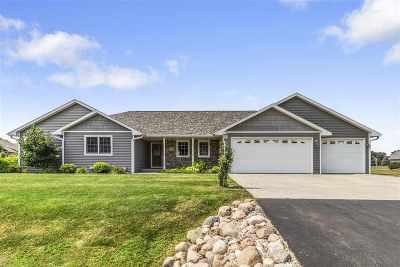 Oshkosh Single Family Home Active-Offer No Bump: 3356 Nelson