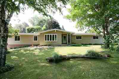 Oconto Falls WI Single Family Home Active-Offer No Bump-Show: $179,900