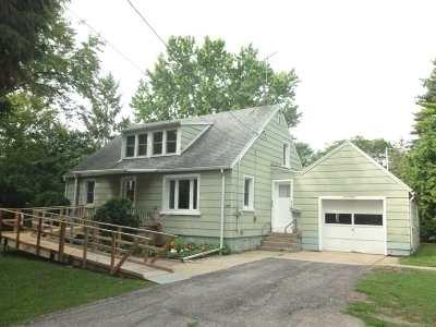 Neenah Single Family Home Active-Offer No Bump: 985 Meadow