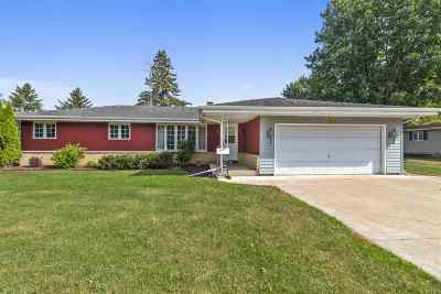 Appleton WI Single Family Home Active-Offer No Bump: $144,900