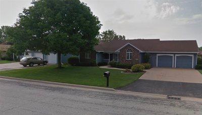 Menasha Single Family Home Active-Offer No Bump: 1513 Driftwood