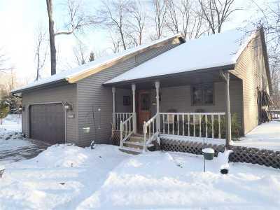 Howard, Suamico Single Family Home Active-No Offer: 2351 Woodington