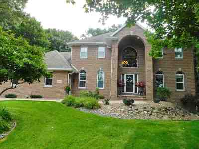 Green Bay Single Family Home Active-No Offer: 2905 Timberline