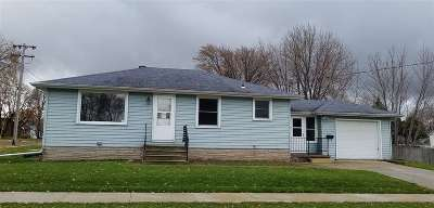 Little Chute Single Family Home Active-No Offer: 217 E McKinley